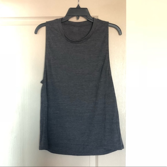 ALO Yoga Tops - alo high low muscle tank size M gray